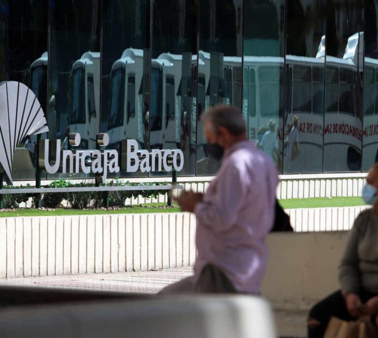 El ajuste de empleo por la fusión de Unicaja y Liberbank no se negociará hasta julio
