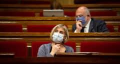 Vergés, incapaz de explicar en el Parlament los datos de vacunación de policías y guardias civiles