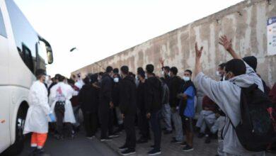 """El juez considera """"penoso"""" sacar a más de 200 inmigrantes del campamento de Arguineguín"""