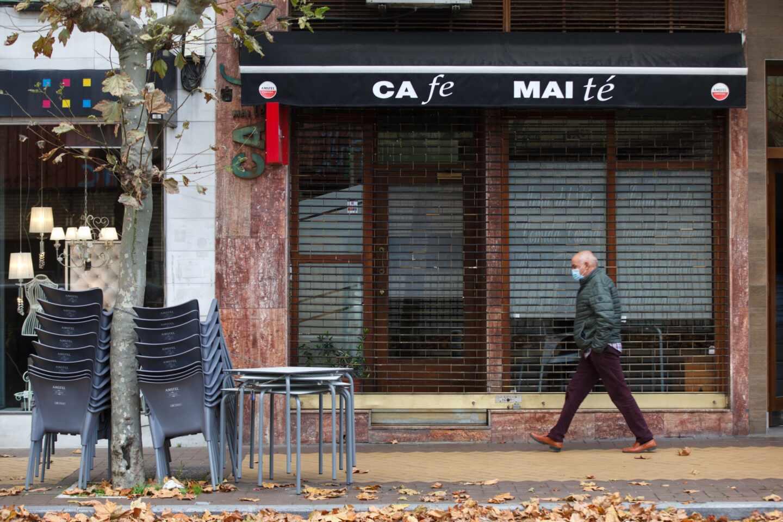 Un bar cerrado en el País Vasco.