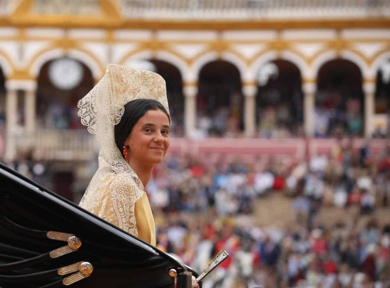 Victoria Federica de Marichalar madrina en la XXXIV Exhibición de Enganches en la Plaza de Toros de la Real Maestranza de Caballería de Sevilla.