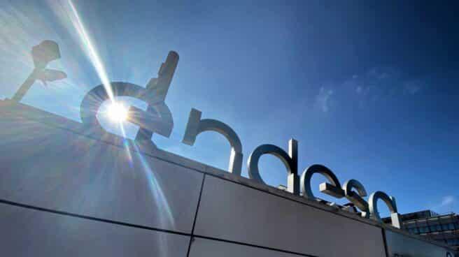 Fachada del edificio principal de Endesa, en Madrid