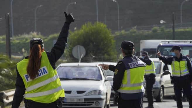 Control policial en Santiago de Compostela durante el estado de alarma.