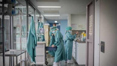 """Las asesores sanitarios de Urkullu prevén semanas de """"preocupante"""" tensión hospitalaria"""