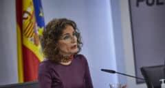 Montero se vuelve a aferrar a que Europa no permite bajar el IVA de las mascarillas