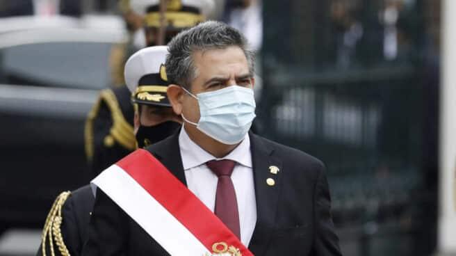Manuel Merino, este martes en su juramento como nuevo presidente de Perú.