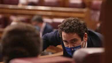 """El PP hace burla de la campaña de """"el frutero de Vox"""" para las catalanas"""
