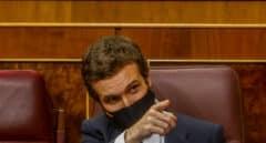 Casado trabaja ya con un plazo de tres años para construir su alternativa a Sánchez