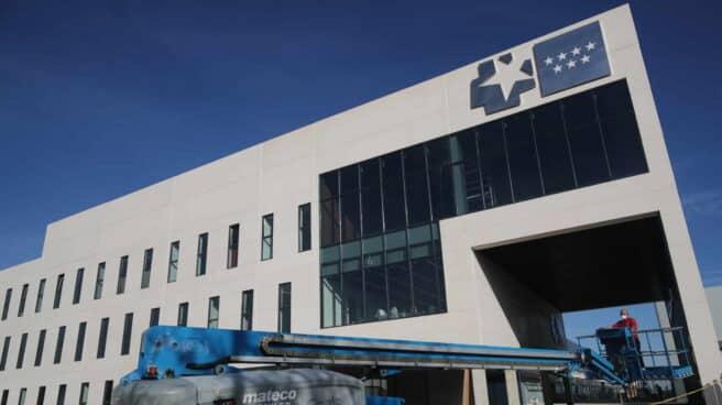 Maquinaría de obra en el Hospital de Emergencias Isabel Zendal, en una imagen de archivo.