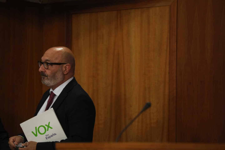 Rueda de prensa del portavoz parlamentario de Vox en Andalucía, Alejandro Hernández, para informar sobre la enmienda a la totalidad al proyecto de Ley de Presupuestos. EP