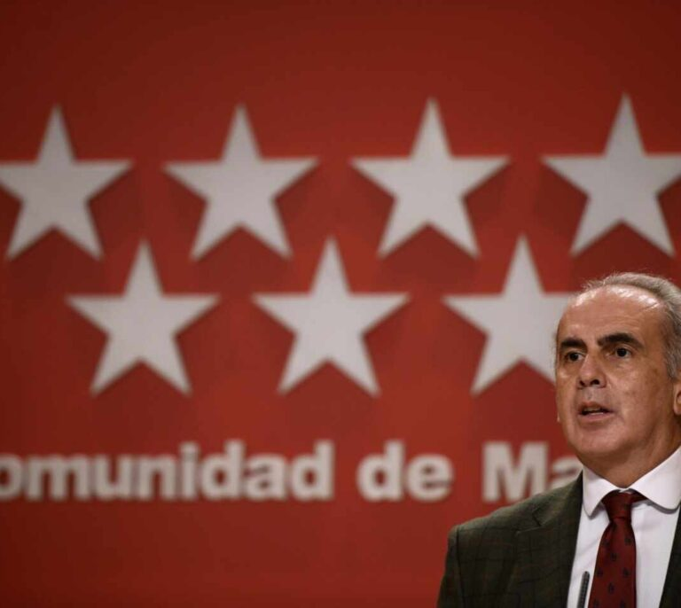 Madrid estudia levantar algunas restricciones de movilidad y aforos de cara a las Navidades