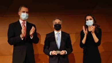 Los Reyes entregan a Vicente Vallés el premio Francisco Cerecedo