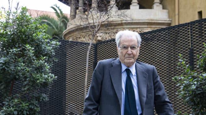 El abogado Antonio Garrigues Walker, en uno de los patios de su despacho en Madrid