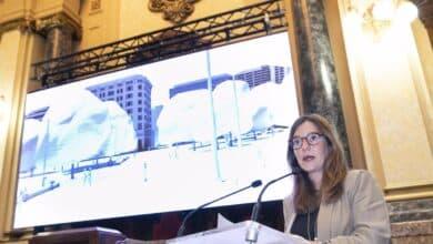 """La alcaldesa de La Coruña fulmina a una concejala por su """"nula dedicación"""""""
