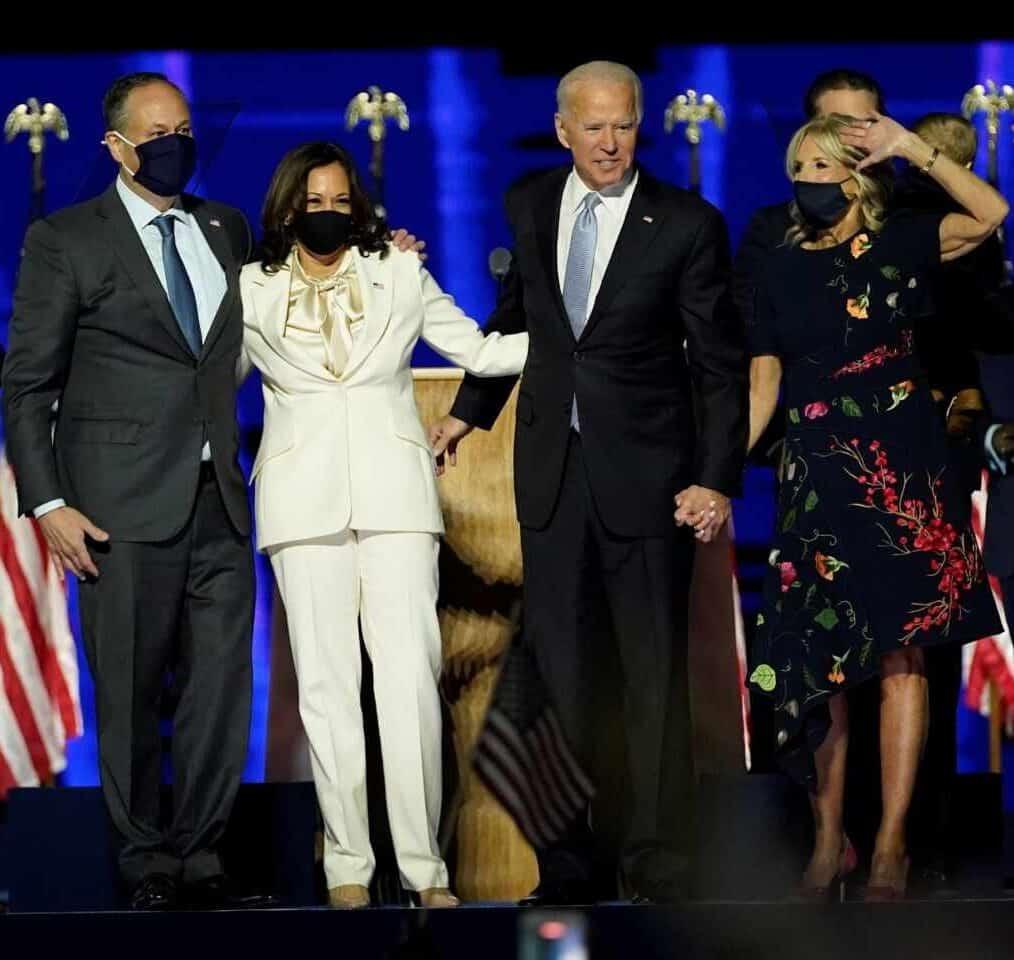 Elecciones EEUU 2020-Biden y Harris con sus parejas