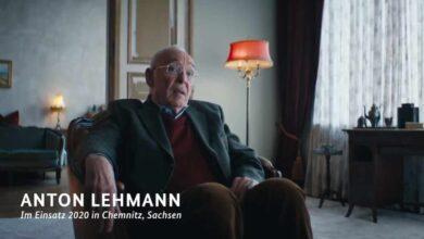 """""""Sé un héroe y quédate en casa"""": Alemania conciencia a sus jóvenes sin criminalizarlos"""