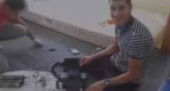 """""""Esto hace pum"""": el vídeo de los terroristas de Las Ramblas preparando explosivos"""
