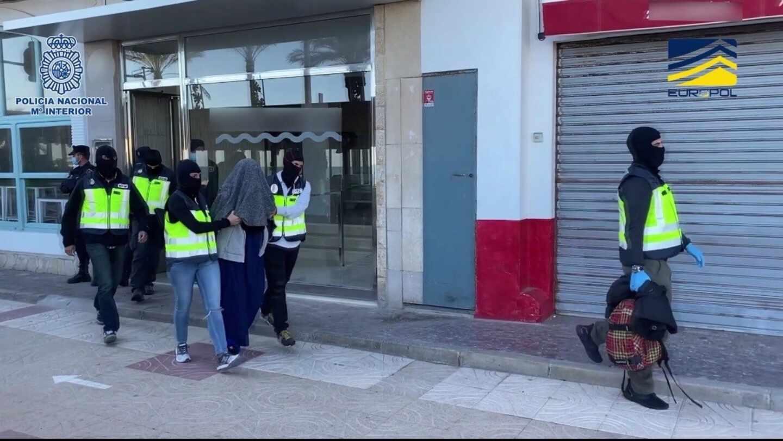 Detención en Valencia de la mujer que pretendía viajar a Siria.