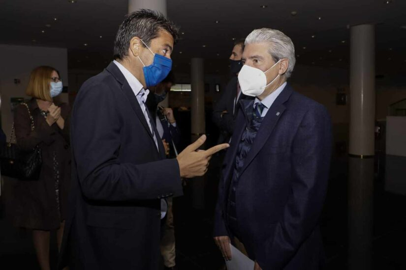 Carlos Mazón y Casimiro García-Abadillo en el Auditorio de la Diputación de Alicante