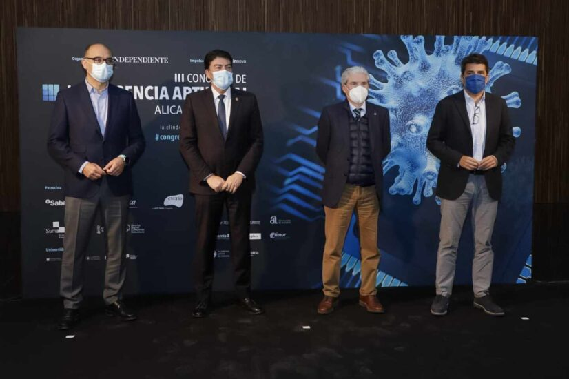 Manuel Palomar, rector de la Universidad de Alicante; Luis José Barcala, alcalde de Alicante; Casimiro García-Abadillo, director de El Independiente; y Carlos Mazón, presidente de la Diputación de Alicante