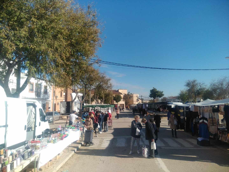 Mercadillo de Villacañas en funcionamiento bajo las restricciones provocadas por el coronavirus