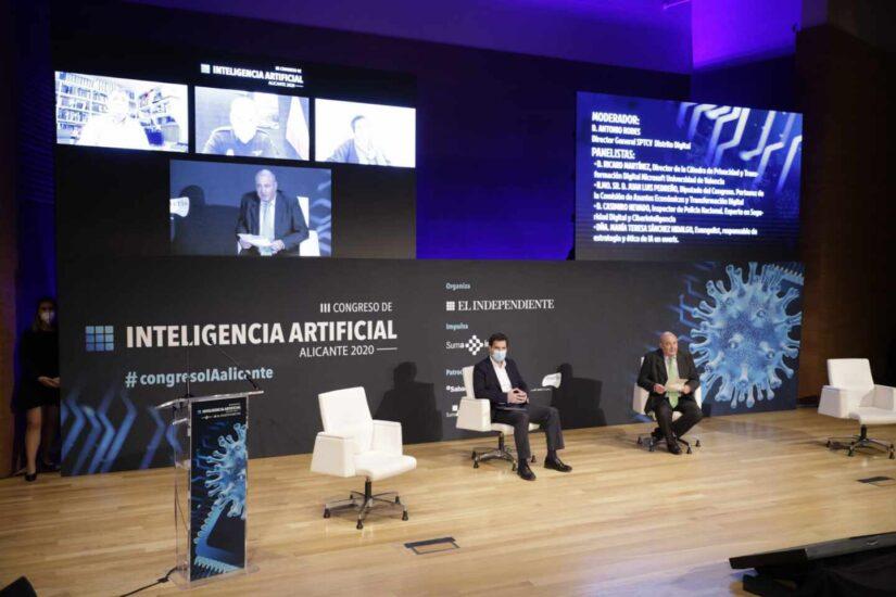 La tercera mesa, Límites legales y éticos de la IA, contó con la participación de Antonio Rodes, Ricard Martinez, Jusan Luis Pedreño, Casimiro Nevado y Mayte Sánchez Hidalgo