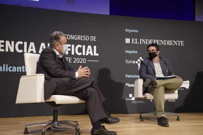 Andrés Pedreño, presidente de AlicanTEC, y el moderador de la mesa, Rafael Navarro