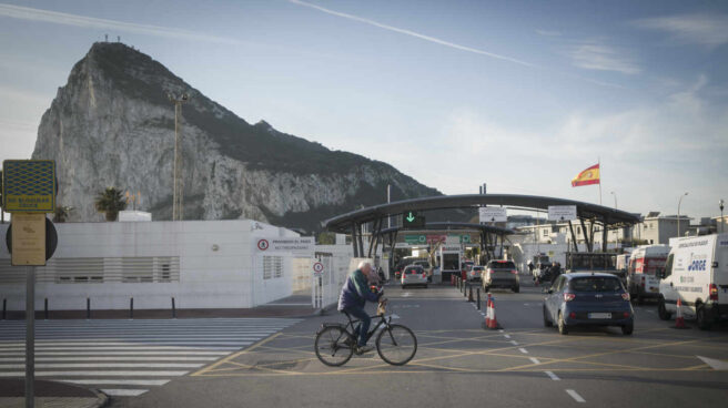 Acceso al peñón de Gibraltar.