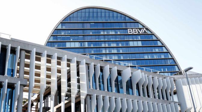 BBVA gana 1.911 millones hasta junio, frente a las pérdidas de un año antes
