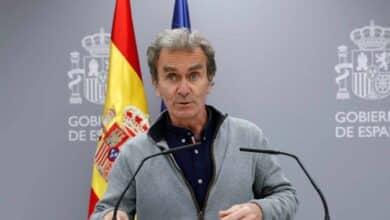 """Simón dice que """"no compensa"""" hacer PCR a los turistas un día después de que el Gobierno lo imponga"""