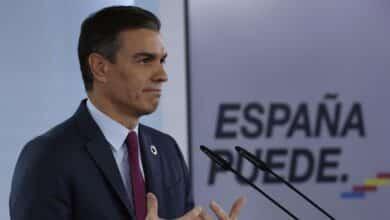 Sánchez afirma que habrá 13.000 puntos para vacunar a todos los que lo pidan en el primer semestre de 2021