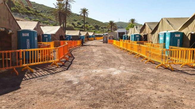 Campamento habilitado en el antiguo acuartelamiento de Barranco Seco, en Las Palmas.
