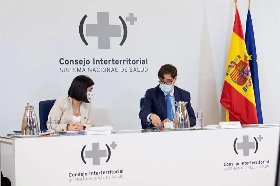 Carolina Darias, nueva ministra de Sanidad, durante una comparecencia junto a Salvador Illa.