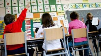 JxCat acusa a ERC de ceder ante Hablamos español y no defender el catalán en la escuela