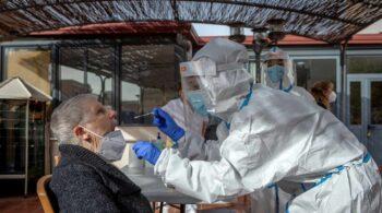 Diagnósticos tardíos y equipos rotos, el rastro del Covid en la Primaria, la Cenicienta de la salud pública