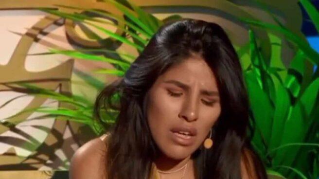 """Isa Pantoja, hundida, rompe a llorar en """"La casa fuerte"""" al escuchar las últimas palabras de Kiko Rivera contra su madre. Mediaset."""
