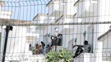 """Los hoteleros de Canarias también cargan contra Marlaska: """"Es la peor solución para los inmigrantes"""""""