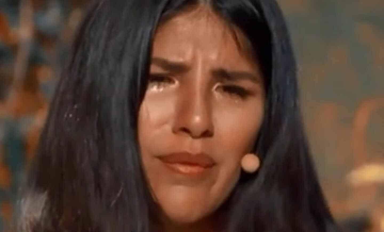 Isa Pantoja llora al hablar de su madre en 'La casa fuerte'.