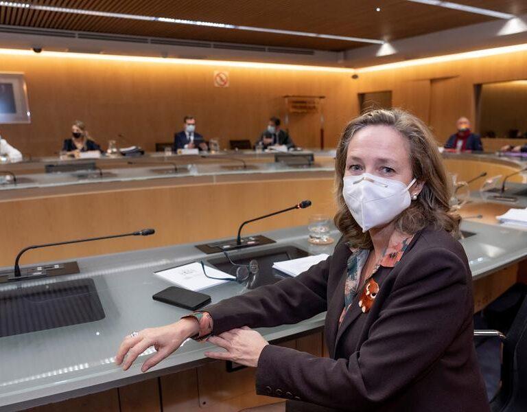 La pandemia refuerza a Calviño en el Gobierno y deja en la cuerda floja a dos ministros de Podemos