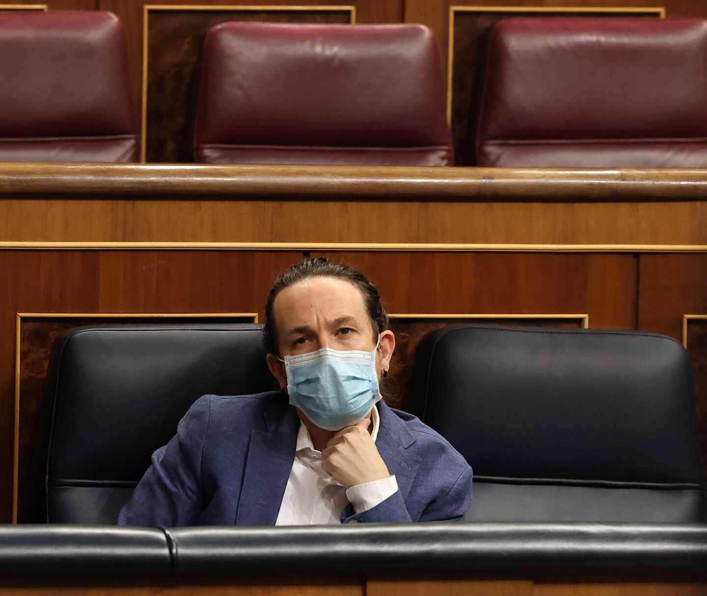 El vicepresidente segundo del Gobierno, Pablo Iglesias, en su escaño del Congreso.