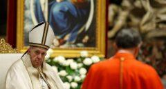 """El Papa no celebrará la misa de Vísperas ni la del Año Nuevo por una """"dolorosa ciática"""""""