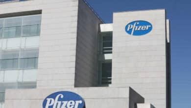 Pfizer también pide autorización a Europa para comercializar su vacuna contra el coronavirus