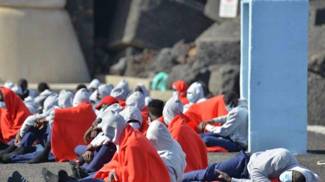 Integrantes de una patera que llegó a La Restinga, en la isla canaria de El Hierro.