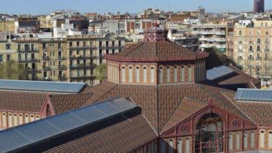 Barcelona permitirá votar en los mercados municipales el 14-F