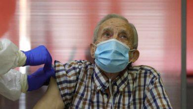 Madrid y Cataluña anuncian cambios en la vacunación ante el agotamiento de las dosis