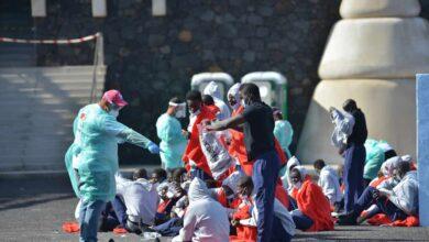 """El SUP alerta del """"efecto llamada"""" del traslado de migrantes desde Canarias a la Península"""