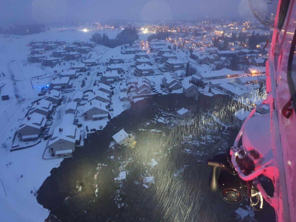 Un corrimiento de tierras en Noruega se traga una docena de casas y deja al menos diez desaparecidos