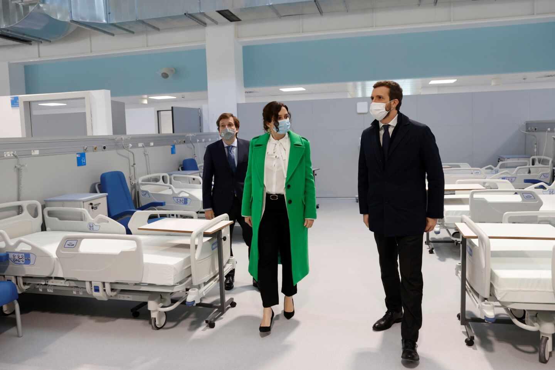 Almeida, Ayuso y Casado, en la inauguración del Hospital Isabel Zendal.