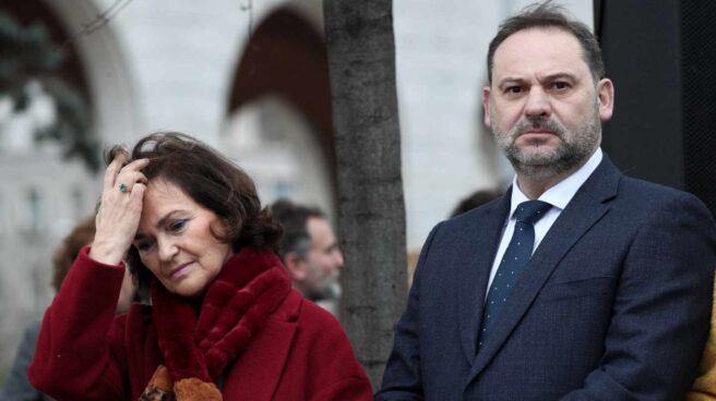 Los ministros Carmen Calvo y José Luis Ábalos, en un acto público.