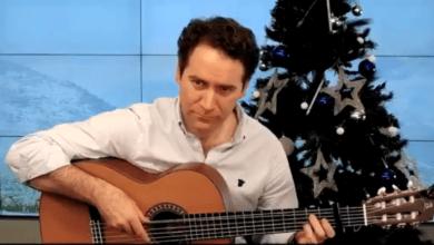García Egea se pone a la guitarra con 'Navidad Flamenca' para felicitar las fiestas